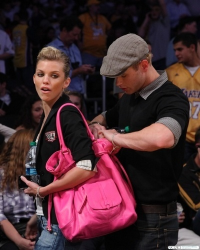 AnnaLynne and Kellan attend a Lakers game