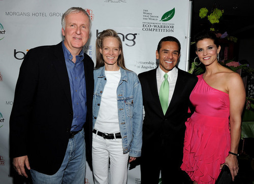 Avatar Cast at Earth دن Celebration (04.22.10)