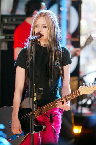 Avril live images!