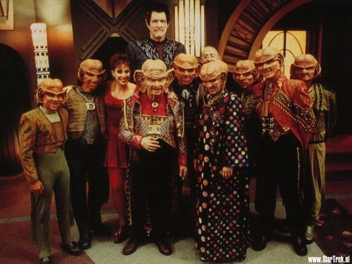 nyota Trek: Deep Space Nine karatasi la kupamba ukuta entitled Behind the scenes - Ferengi