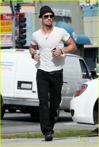 Cam Gigandet: Tanning Take-off