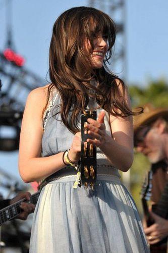 Coachella Valley 음악 & Arts Festival - She & Him performance