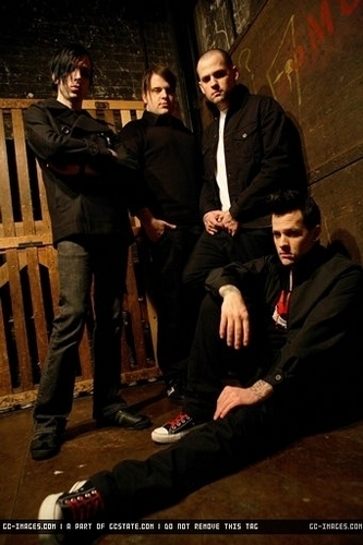 Good charlotte Photoshoot