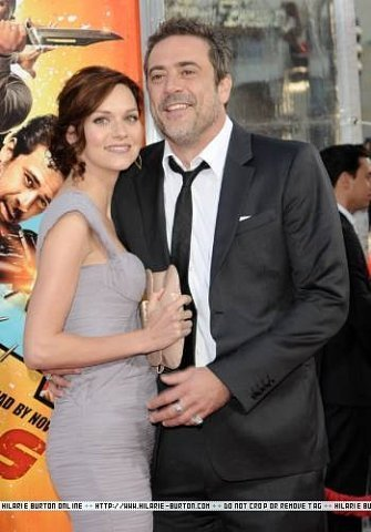 "Hilarie burton and Jeffrey Dean মরগান at ""The Losers"" premiere on April 20, 2010 in Los Angeles"