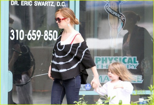 Isla Fisher: Sporting Baby Bump?