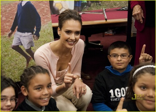 Jessica Alba Has 1GOAL For Children