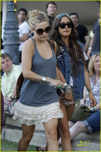 Kate Hudson Needs Directions