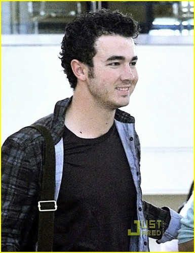Kevin Jonas: The Best Thing About Being Married...