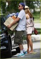 Leo DiCaprio: Boxes 'n' Bar Refaeli