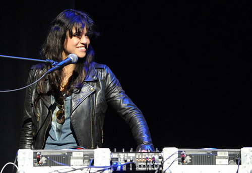 Michelle DJing at the Earth día celebration (04.22.10)