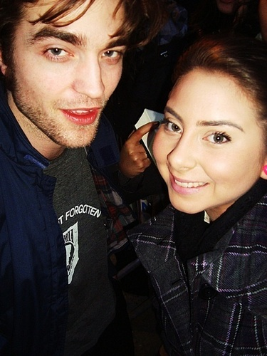 New/Old Pic Of Rob With A fan