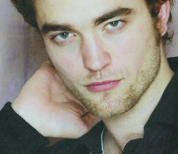 New/Old Pic Of Robert Pattinson