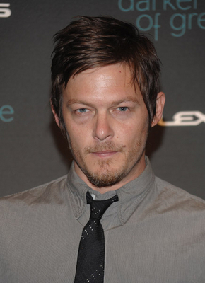 "Norman Reedus- Sarah Silverman Moderates ""The Darker Side Of Green"" débats"