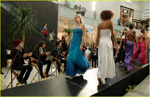 Prom dress pic 9