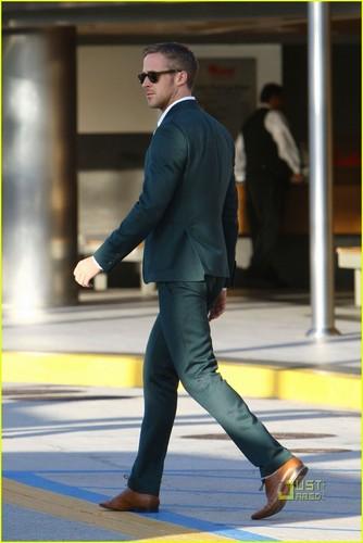 Ryan Gosling: High Five Hottie