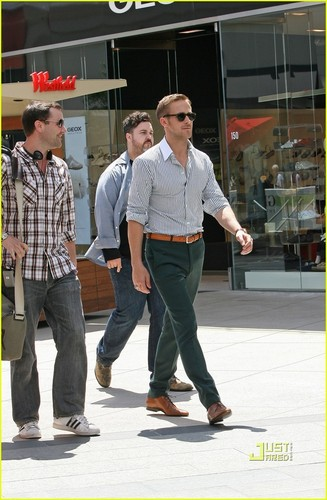 Ryan Gosling: High Five Hottie