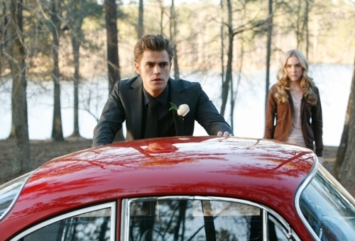 The Vampire Diaries پیپر وال called STEFAN CAR
