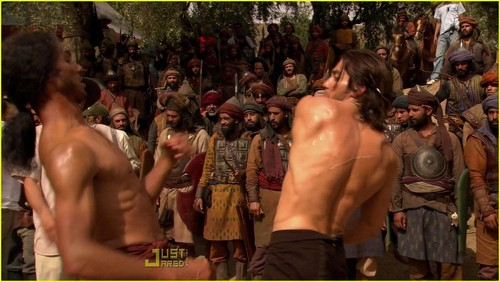 Shirtless Jake Gyllenhaal: 'Prince of Persia' Featurette!