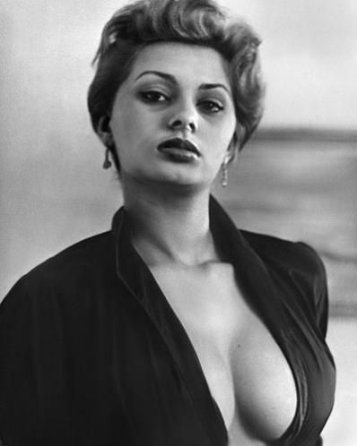 Sophia Loren. . Wallpaper and background images in the Sophia Loren ...