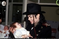 TOO CUTE - michael-jackson photo