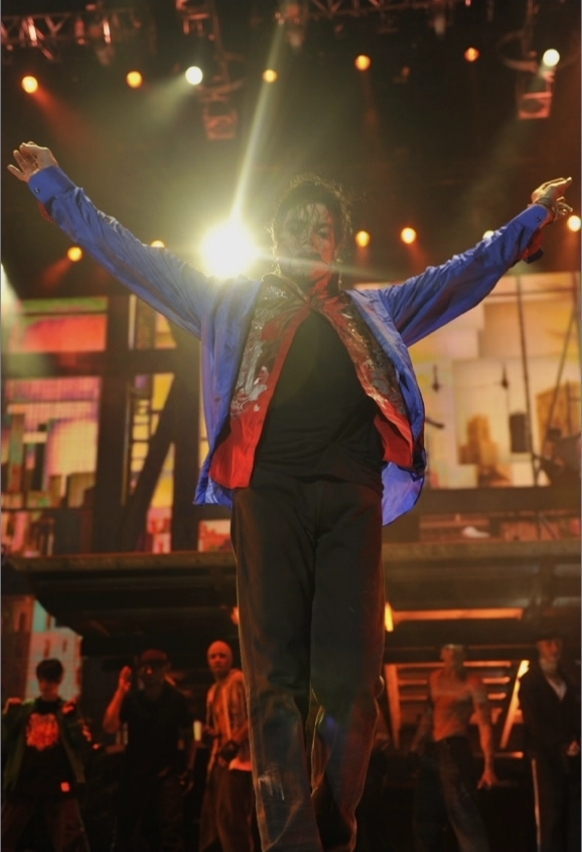 This Is It, he still dancing «3