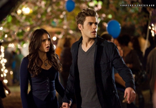Vampire Diaries - Season Finale - Founder's دن - First Promo Pic