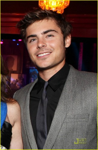 Zac Efron & Vanessa Hudgens: L.A. Family Housing Gala
