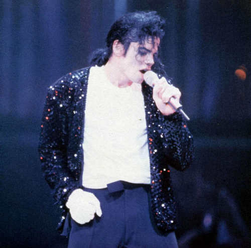 Michael Jackson Wallpaper Entitled Billie Jean Live