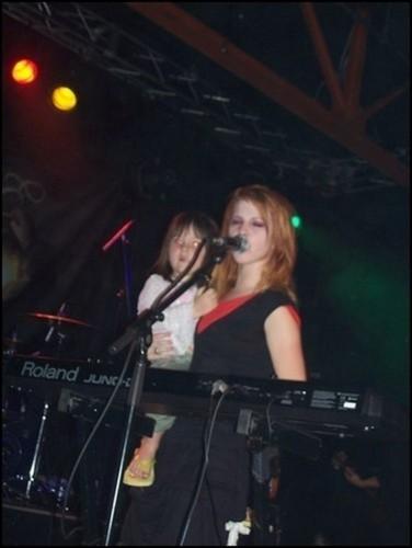 hayley and little sister Mckayla