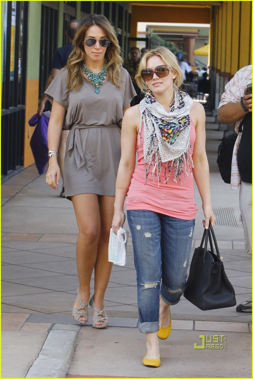 haylie duff out with hilary