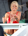 pamela beach - pamela-anderson photo