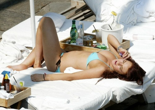 Lindsay Lohan fond d'écran called summertime fun with lindsay! (sorry for any repeats)