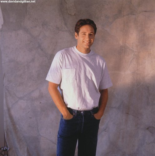 09/1993 - TV Guide Photoshoot によって E.J. Camp