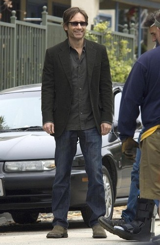 26/04/2010 - David and Natasha on Californication set