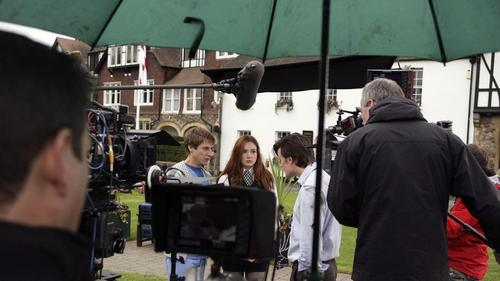 5x01 Behind the Scenes