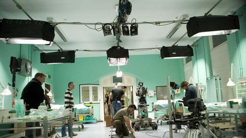 5x01 Behind the Scenes