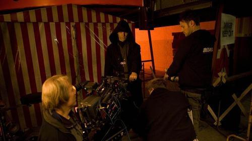 5x02 Behind the Scenes