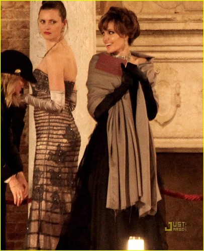 Angelina Jolie: Ball áo choàng Gorgeous