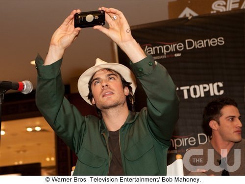 http://images2.fanpop.com/image/photos/11700000/Atlanta-Cast-Tour-Event-the-vampire-diaries-11779977-500-376.jpg