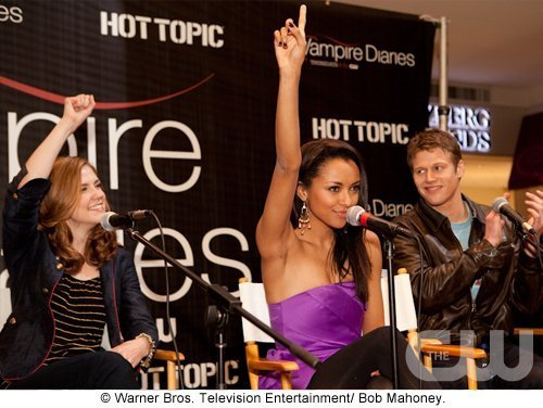 http://images2.fanpop.com/image/photos/11700000/Atlanta-Cast-Tour-Event-the-vampire-diaries-11779987-500-376.jpg