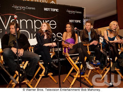 http://images2.fanpop.com/image/photos/11700000/Atlanta-Cast-Tour-Event-the-vampire-diaries-11779990-500-376.jpg