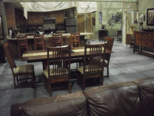 Behind the Scenes of OTH (Mouth's apartment)