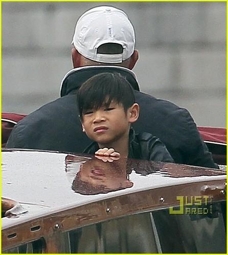 Brad Pitt: boot Bonding with the Kids!