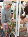 CHAD MICHAEL MURRAY PICKS THE PERFECT BOUQUET