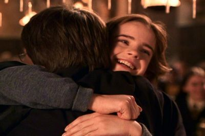 Hermione Hugging Harry Harry Ron Hermione Harry