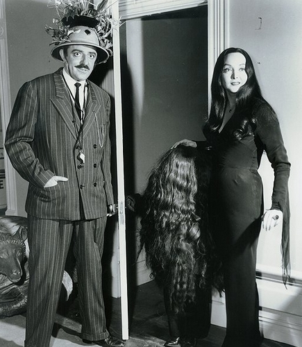The Addams Family 1964 wallpaper entitled Cousin Itt, Morticia, Gomez