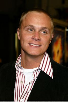 http://images2.fanpop.com/image/photos/11700000/December-18-2003-LA-Premiere-of-Paycheck-david-anders-11758901-269-400.jpg