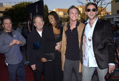 http://images2.fanpop.com/image/photos/11700000/February-09-2003-LA-Premiere-of-Daredevil-david-anders-11758855-400-272.jpg