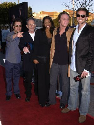 http://images2.fanpop.com/image/photos/11700000/February-09-2003-LA-Premiere-of-Daredevil-david-anders-11758859-300-400.jpg