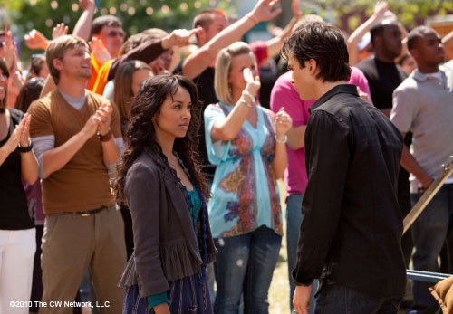 http://images2.fanpop.com/image/photos/11700000/Founder-s-Day-1-22-Episode-Stills-the-vampire-diaries-11768333-500-347.jpg